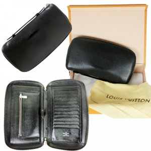 Louis Vuitton Card Case black leather