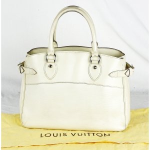 Louis Vuitton Sac à main crème cuir