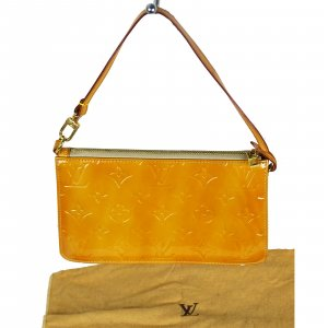 ORIG. LOUIS VUITTON POCHETTE LEXINGTON VERNIS LACKLEDER APRICOT / GUTER ZUSTAND