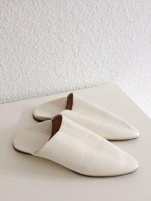 Ballerina bianco sporco