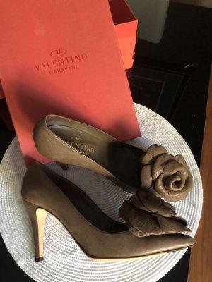 C. Valentino High Heels brown