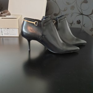 Burberry Heel Boots black