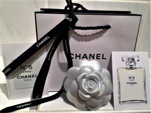 Original Chanel Brosche 31Rue Cambon Camelie Silber  Neu mit OVP