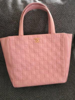 Chanel Sac porté épaule or rose