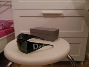 Dior Angular Shaped Sunglasses black-white