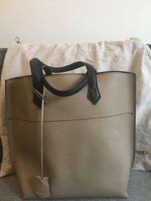 Original FENDI Shopper aus Leder - nie getragen!! (NP: 1.100 EUR)