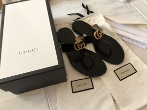 Gucci Toe-Post sandals black leather