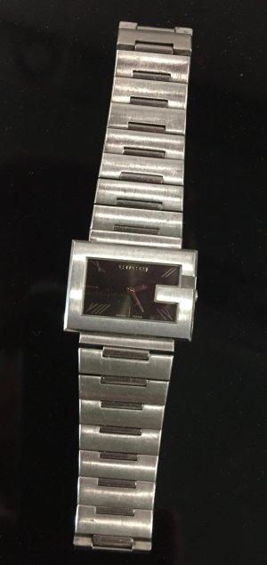 Gucci Horloge met metalen riempje zilver-zwart Edelstaal