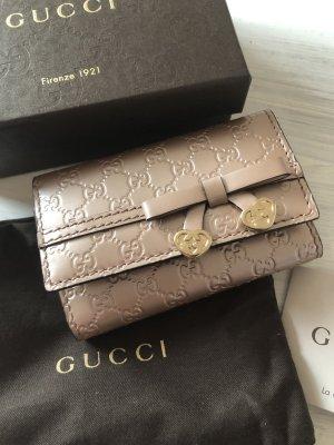 Original Gucci Leder Schlüsselanhänger neu 300€ Rosegold  mit 2 kleinen GG Herzen