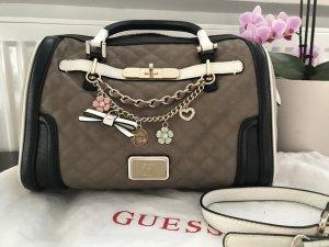 Original Guess Handtasche mit Charms