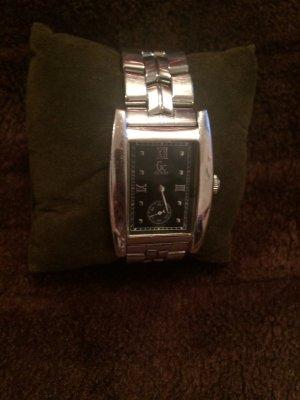 Original Guess klassische Damenarmbanduhr Silber guter Zustand