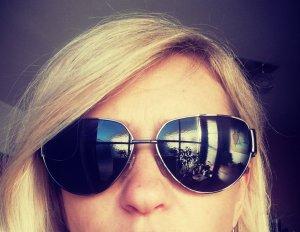 Guess Zonnebril zwart-grijs-lila