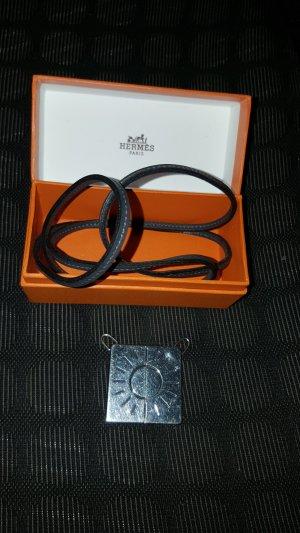 Original Hermès Anhänger zweiteilig & Lederkette & Box & Kaufbeleg