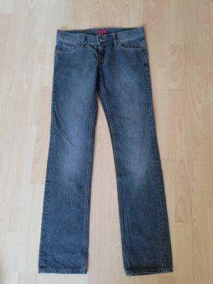 original Hugo Boss Jeans W 27 L 34 wie neu straight leg grau