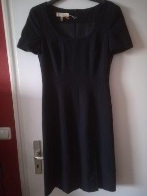 Original Kleid von Escada, 100 % Schurwolle, edel mit kleinem Schlitz, Gr. 38