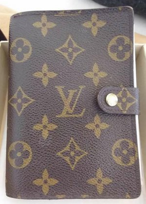 Louis Vuitton Tarjetero color bronce