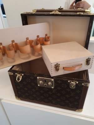 Original LOUIS VUITTON Boîte Pharmacie Beauty Case Trunk