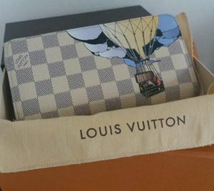 Original Louis Vuitton Damier Azur Illustre Balloon Zippy, limited Edition 2013.
