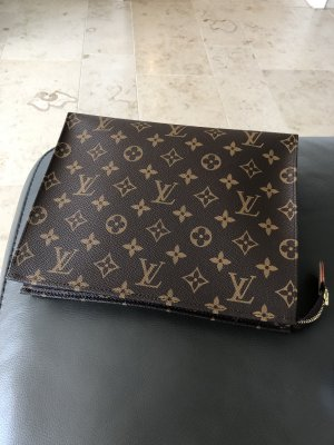 Original Louis Vuitton Poche Toilette 26