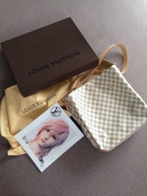 Louis Vuitton Handbag white