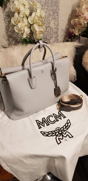 Original MCM Milla Large & Rechnung soft blue neuwertig