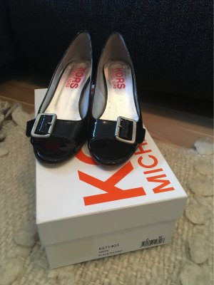 bbcb07a00ac4c Michael Kors Women s Pumps at reasonable prices