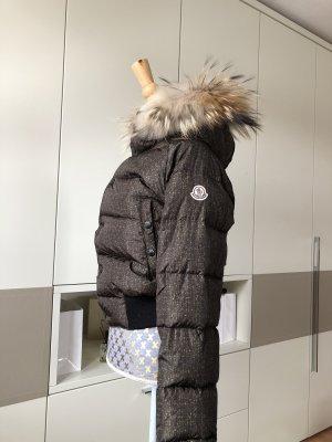 Original Moncler Jacke mit echtem Fell
