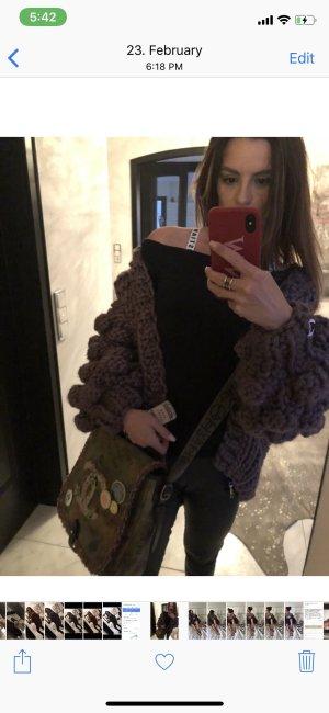 Veste en tricot gris lilas