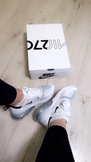 Nike Lace-Up Sneaker white-black