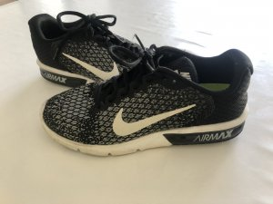 Original Nike Air Max Sequent 2 ab 28.06.19 in Urlaub