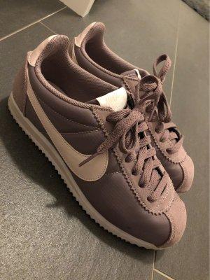 Original Nike lila