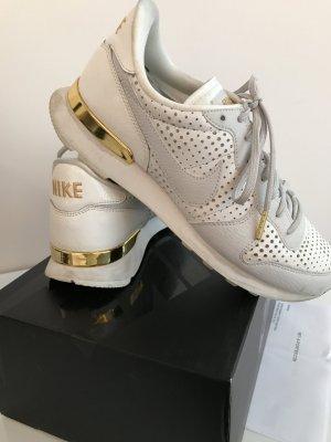 Original Nike Sneaker Air Internationalist weiß Gold 40 Turnschuhe