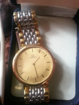 Watch With Metal Strap yellow