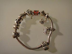 Original Pandora Armband mit 8 Anhängern (alles inklusive)