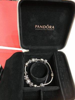 Original Pandora Damenarmband mit Schmuckkästchen