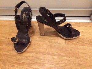 Original PRADA carshoe Schuhe , Größe 38, sehr hoher Neupreis. top Zustand da nur 2x getragen. Absatz 10cm.