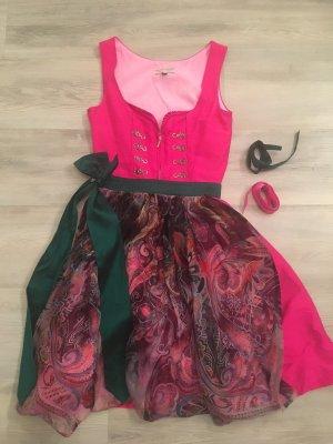 Original Steindl Seidendirndl in Pink mit zwei Schürzen und passender Kette