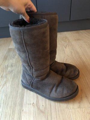 UGG Australia Winter Boots dark brown