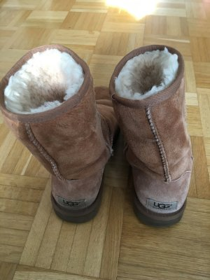 Original UGG boots / Farbe chestnut