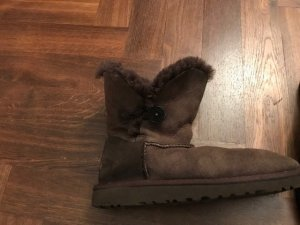 UGG Australia Snow Boots brown leather
