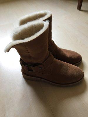 Original UGG Boots mit Schnalle