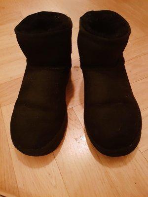 Original UGG Stiefel, schwarz, knöcheltief (Neupreis: €199)