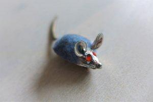Original Vintage Brosche Maus silber blau rot 50er 60er