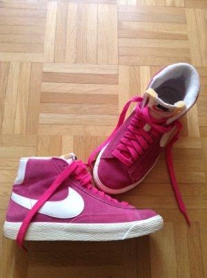 Originale NIKE Blazer in Pink