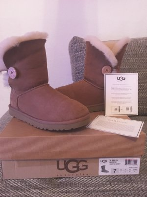 Originale UGG  Bailey Button