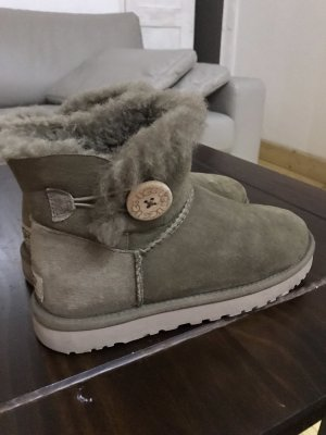 Originale UGG Boots Mini Bailey Button