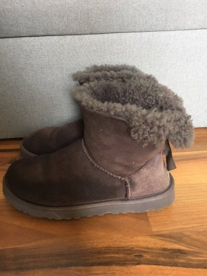 Originale UGG Boots mit Schleife