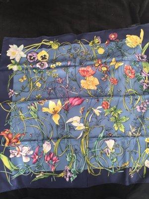 Originales Tuch von der Luxusmarke Gucci