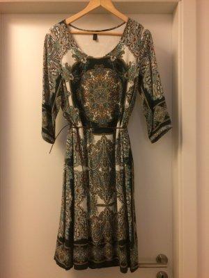 Ornament-Muster-Kleid von Soyaconcept