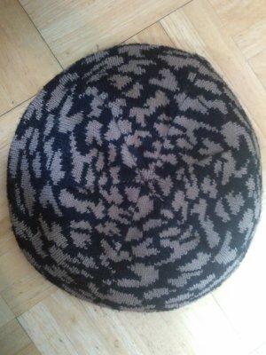 Orsay Beanie Strickmütze schwarz braun leo